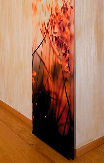 bamboo wand mit vorhang feurige farben