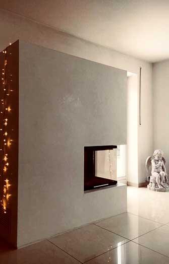 moderner ofen mit marmorputz in grau