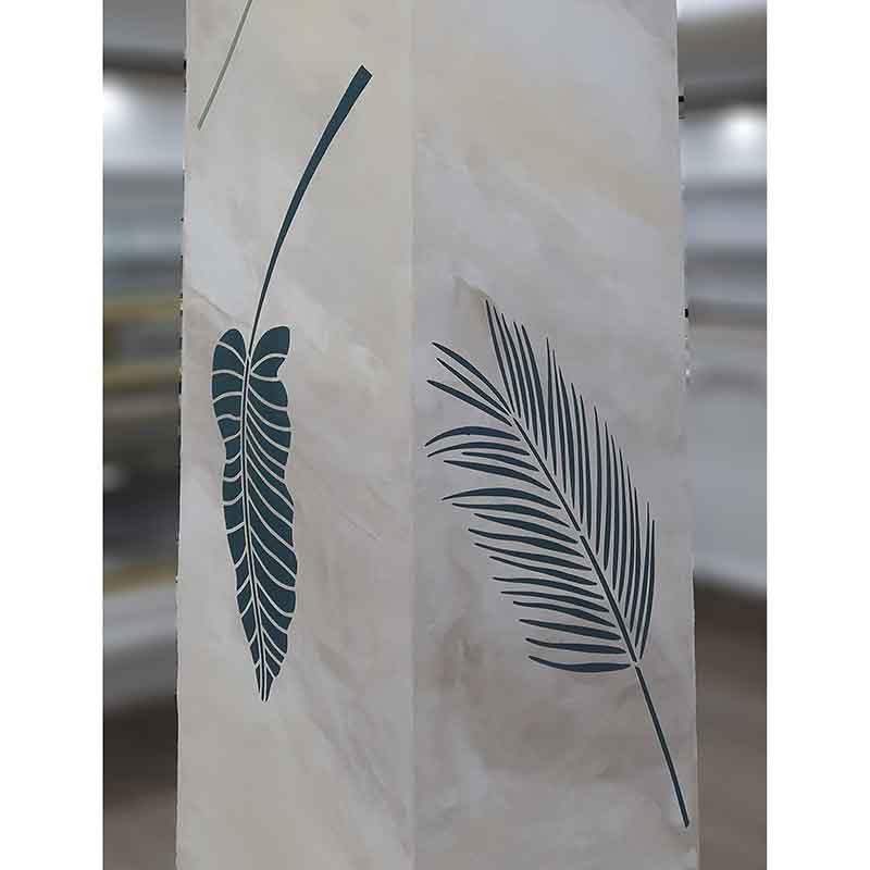 Palmwedel schablonen auf Säule